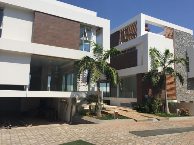 Casa en Venta Mls 18 – 572 Sector La Lago Luis Maldonado